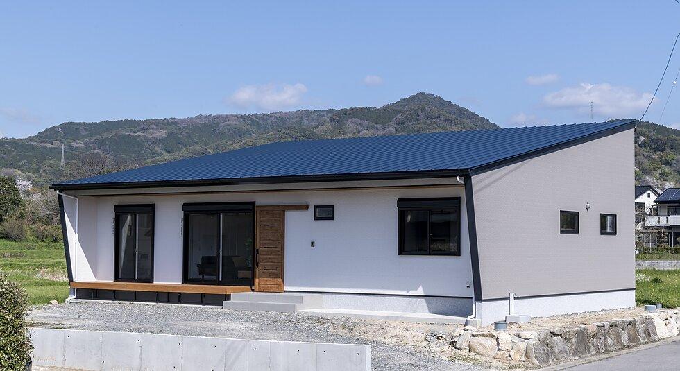 <みやき町注文住宅:M様邸>造作のカウンター収納がある平屋の家のイメージ